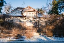 jedna z vil v Riegrově ulici