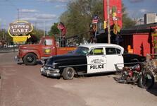 historické vozy u Route 66