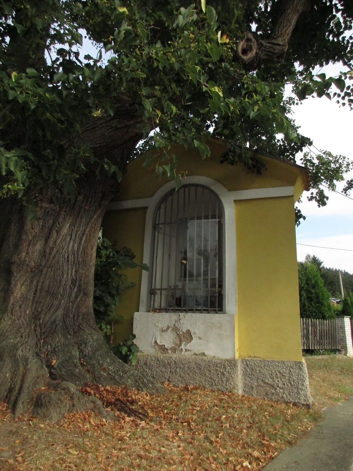 kaplička v Dominikálních Pasekách