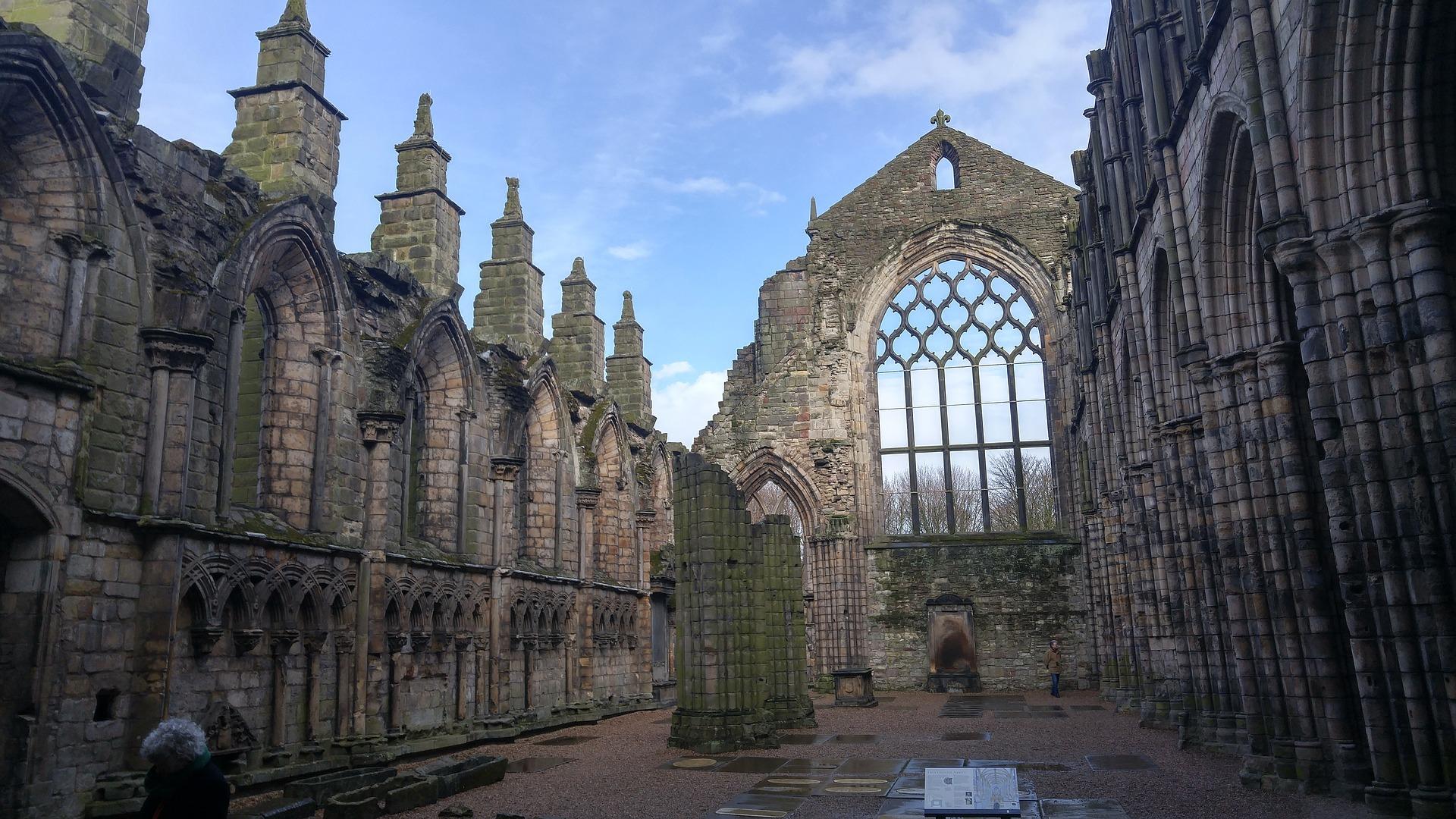 ruiny augustiniánského opatství v Holyroodu