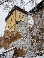 hrad pod sněhem