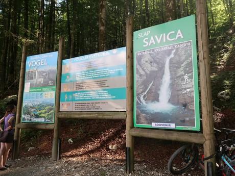 informačná tabuľa (na Vogel a k vodopádu Savica)