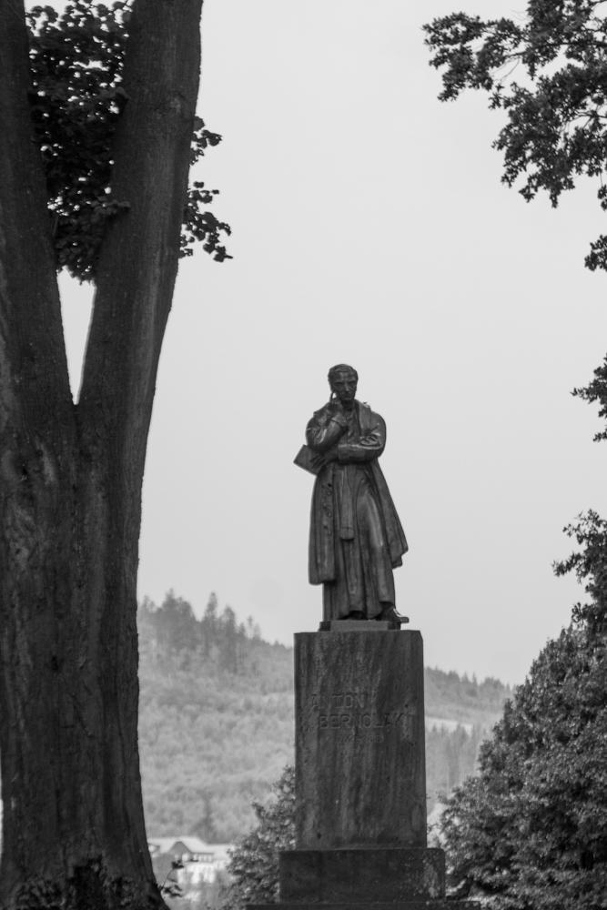 Slanický ostrov umění, pomník A. Bernoláka