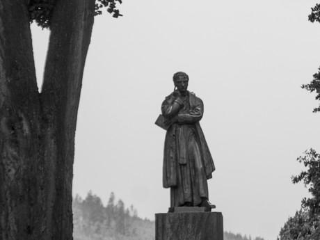 Slanický ostrov umenia, Pomník A. Bernoláka