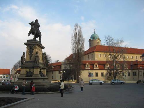 náměstí a zámek v Poděbradech