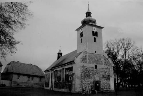 Kostel ješte před zřícením