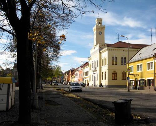 Postoloprtské náměstí s radnicí
