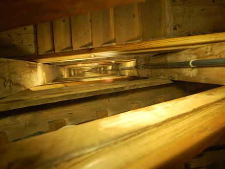 380 schodů na začátku prohlídkové trasy