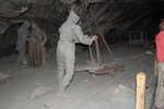 Sochy znázorňující pracující horníky