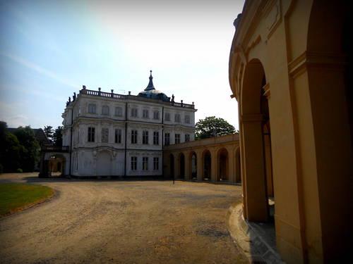 Ploskovice - zámek