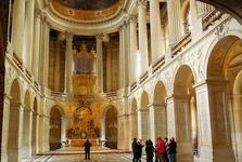 Versailles (interiér - zámecký kostel)
