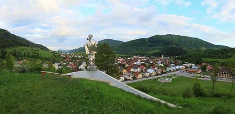 Těrchová a socha Jánošíka