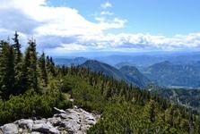 Pohled z turistického chodníku nedaleko vrcholu Hochlantschu