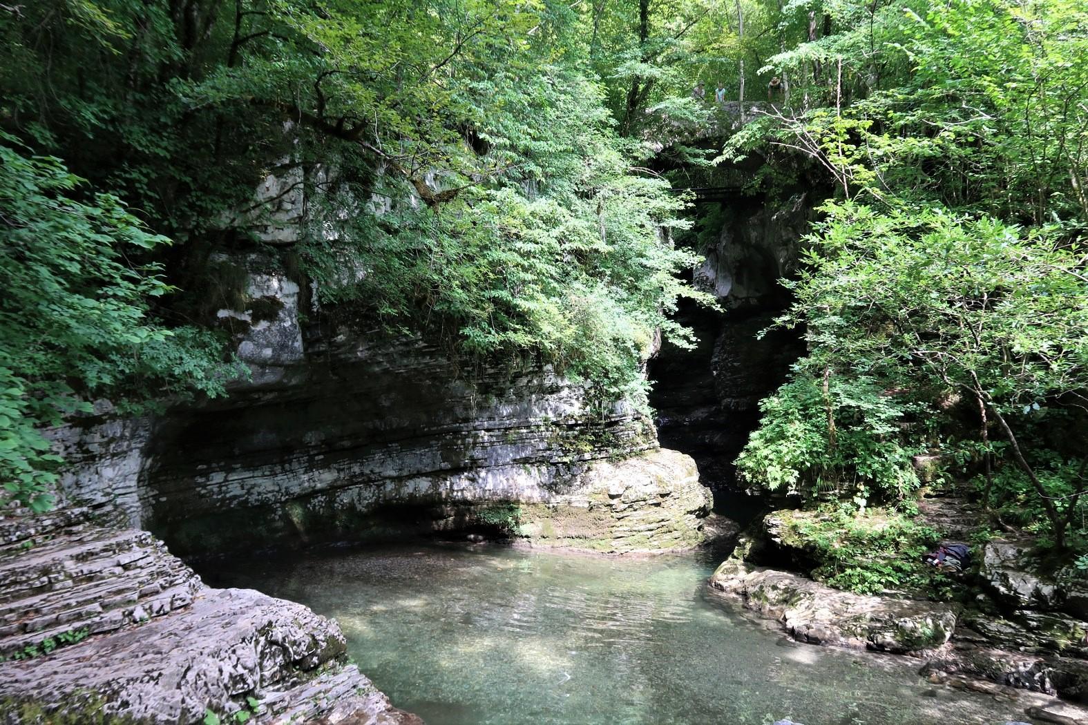 cesta k vodopádu Kozjak
