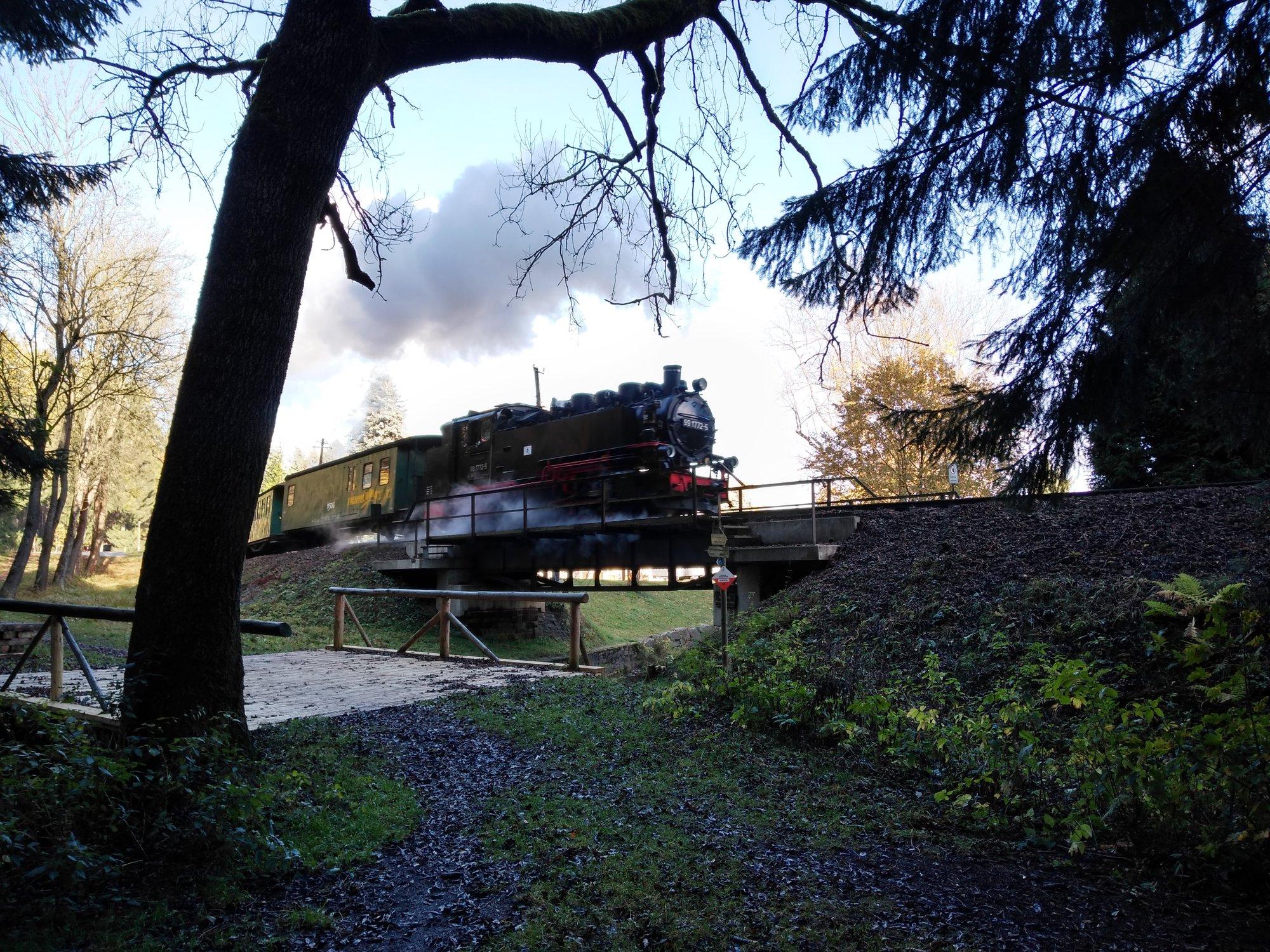 lokomotiva vyjíždějící z Vierenstrasse