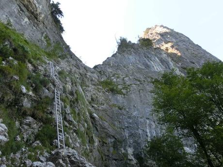začátek feraty Drachenwand