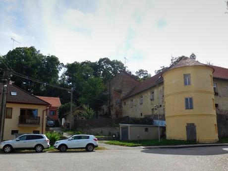 Раец-Естршеби