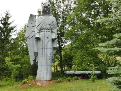 obec Háj - rekvizita anjela