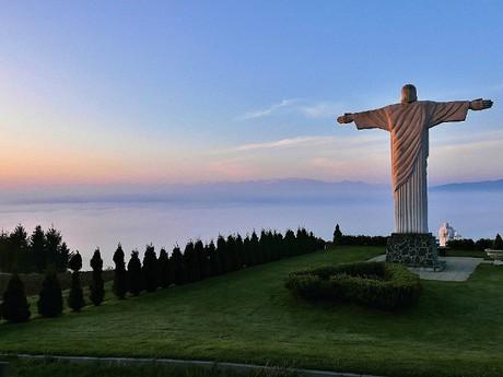 obec Klin – socha Ježíše Krista