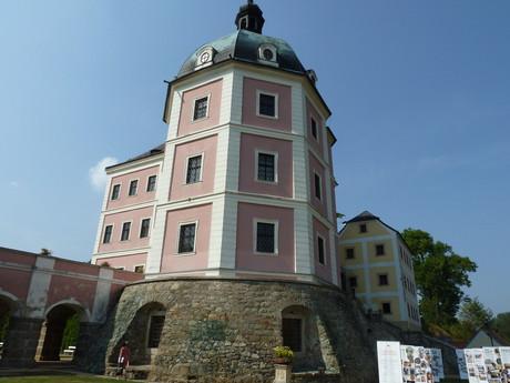 Hrad a zámek Bečov n. Teplou