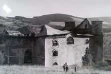 10. 5. 1945 храм получил удар из гранатомета, репродукции из выставки исторических фотографий в храме