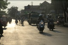 na silnici čekají různé nástrahy a doprava zda nemá žádný řád