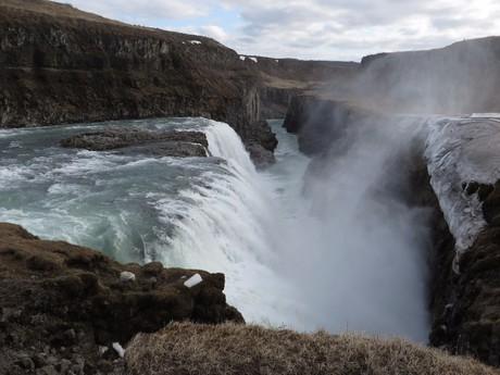 ledovcová voda zde vytvořila mnoho nádherných vodopádů