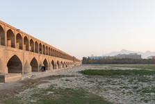 каменный мост Си-о-се поль