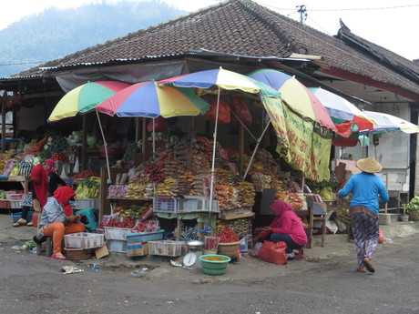 trhy ve středu ostrova Bali