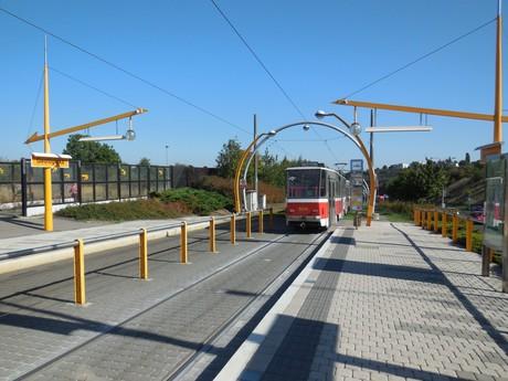 tramvajová zastávka – Geologická