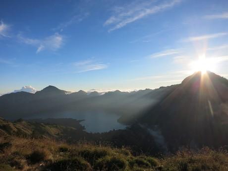 výhled na jezero Anak