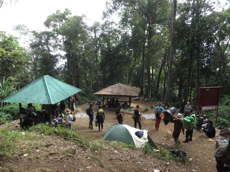 jedno z odpočívadel, které můžete na cestě do vesnice Senaru potkat