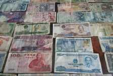 banknotes from different countries