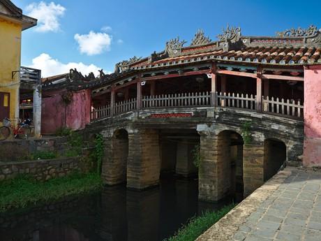 Chua Cau bridge