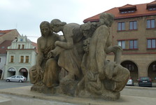 Mělník, Grape Harvest sculpture