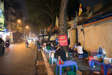 street food is common in Vietnam