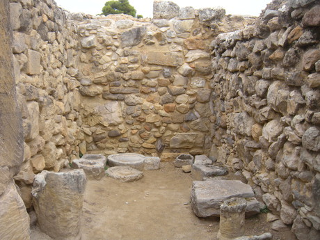 a chamber at Phaistos palace