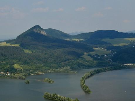 Mladeze dam and hills around