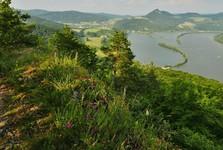 turistická stezka (pohled na přehradu Mládeže)