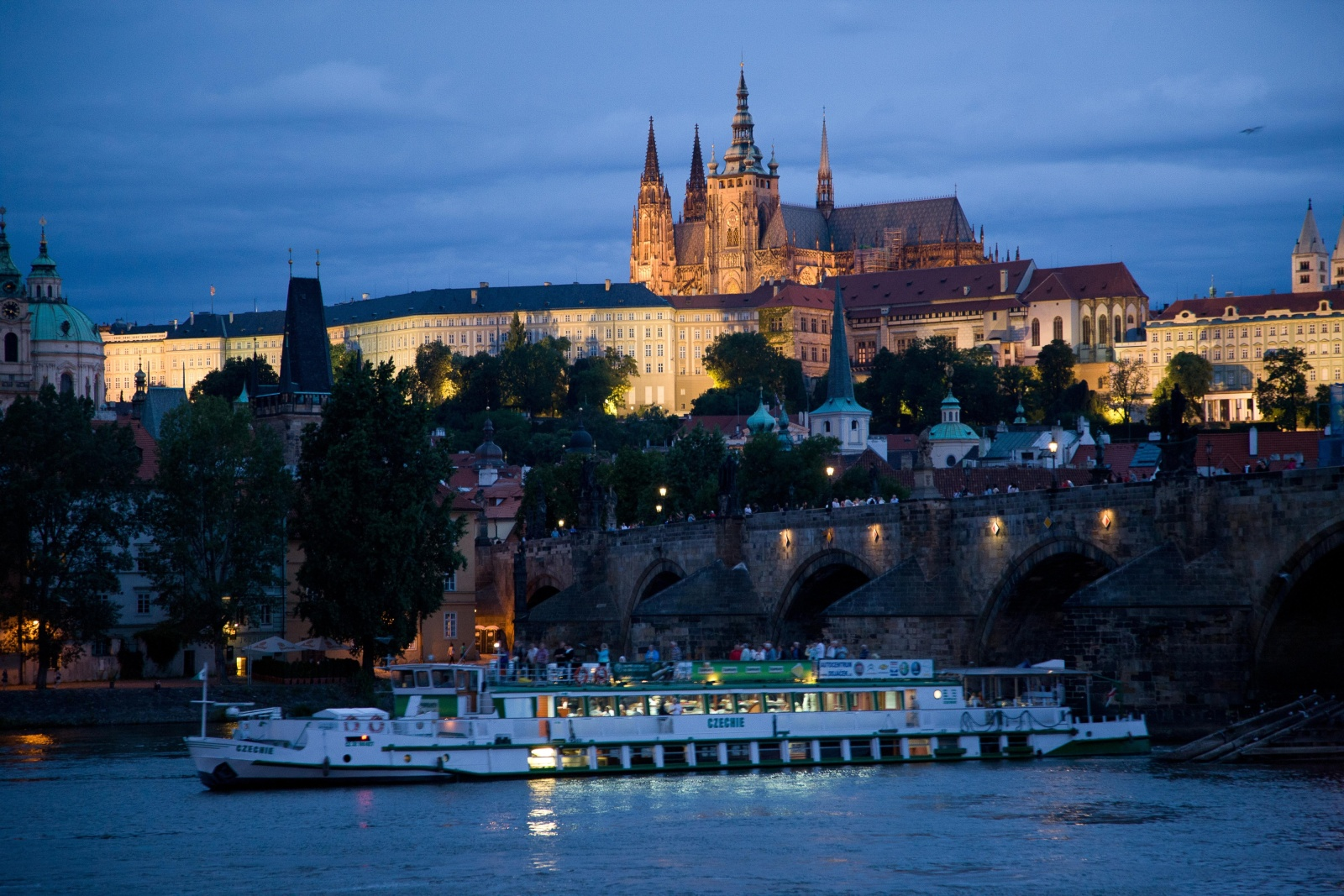 Cz Boat Cruise Prague On The Vltava On A Steamboat En