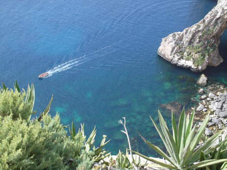 cruise ship at Blue Grotto