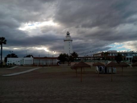 вечерний вид на маяк