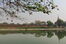 hradby mandalajského královského paláce jsou dlouhé 3,2 km