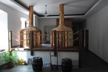 Varny Rudoleckého pivovaru jsou umístěny přímo v restauraci. Během příjemného posezení u zdejšího výtečného piva můžete sledovat, jak se vaří.