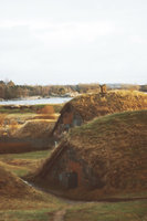 podzemní zatravněné bunkry