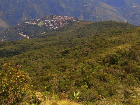pohľad na dedinu Coroico z Uchumachi