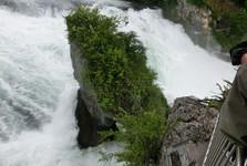 сила воды преобразует скалы