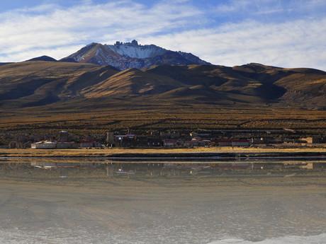 vesnice Coqueza pod vulkánem Tunupa