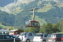 the beginning of the trail–Engelbergu car park and the cable car, lanová dráha