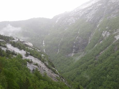cesta z Tyssedalu k jezeru Vetlavatnet